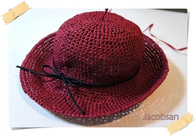 幅広帽子赤