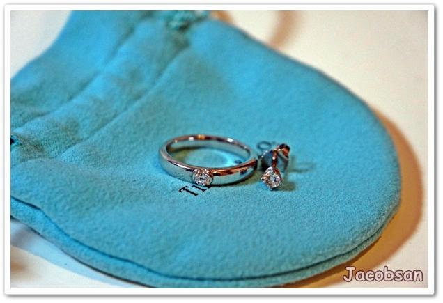 指輪とピアス