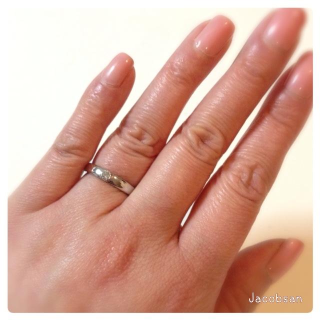 指輪の試着手全体