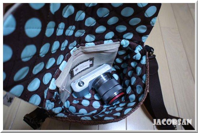 カメラを入れたバッグ